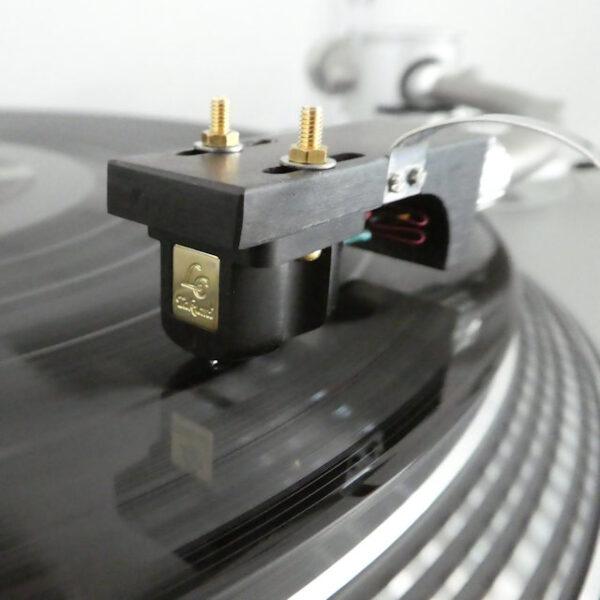 Miyajima Takumi L Stereo Cartridge on demonstration at Ammonite Audio